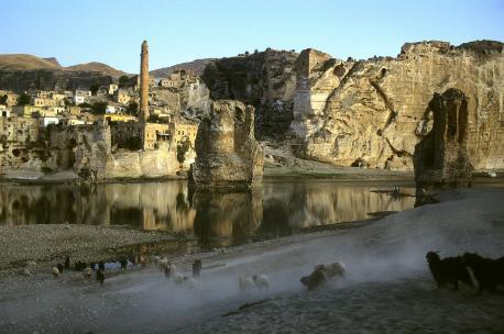 Hasankeyf, Turkey, 1992. Source: Ed Kashi/VII.
