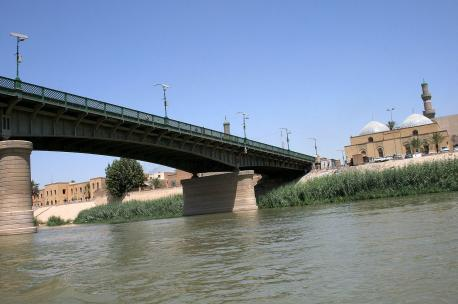 Bridge spanning Tigris River in Baghdad, Iraq, 2010. Source: Larisa Epatko.
