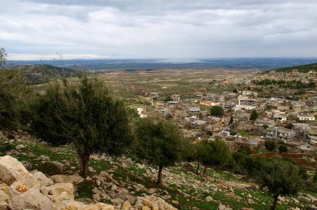 Overlooking the Bqaiaa Plain near the village of Chadra, Lebanon, 2010. Source: Eileen Maternowski.