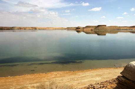 Artificial lake near Dumat al-Jandal, Saudi Arabia, 2006. Source: Walter Callens.